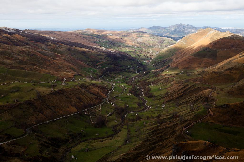 El valle del Miera desde el Mirador de Covalruyo